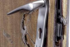 Житель калмыцкого села Кегульта пойдет под суд за нарушение неприкосновенности жилища