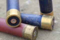 В красноярском поселке ученик устроил стрельбу возле школы