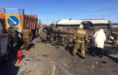 На Дону при ДТП с микроавтобусом погибли шесть человек