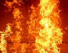 В Калмыкии следователи устанавливают причины возгорания жилого дома, унесшего жизни двоих детей