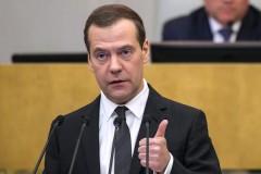 Медведев пообещал не повышать налоги в течение 6 лет