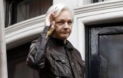 Британская полиция задержала Джулиана Ассанжа