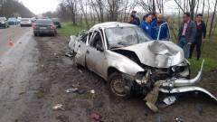 На выезде из Ростова-на-Дону легковушка вылетела с трассы, двое пострадавших