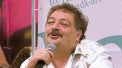 Дмитрий Быков попал в больницу с подозрением на инсульт