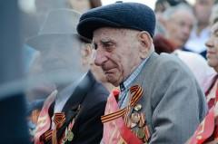 Госдума утвердила закон о повышении пенсий ветеранам войны