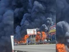 Площадь пожара в магазине под Пятигорском достигла 2,4 тыс. кв. м