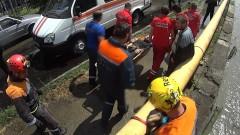 Сочинские спасатели транспортировали мужчину, упавшего в реку Восточныйй Дагомыс