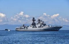 В Восточно-Китайском море произошел инцидент с участием боевых кораблей США и России