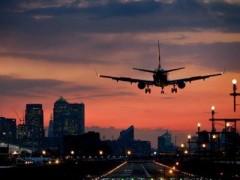 В Калуге из-за обморока пилота сел самолет, летевший из Черногории