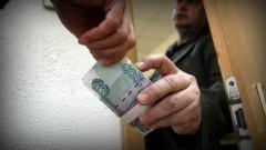 Замглавы администрации Элисты заподозрили в получении взятки