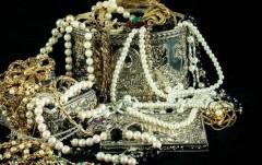 В Петербурге воришки вынесли из дачного дома драгоценности на 685 тыс. рублей