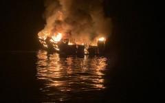 При пожаре на судне в Калифорнии найдены тела 25 погибших
