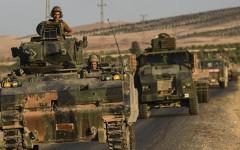 К границе с Сирией стягивают турецкую бронетехнику