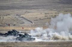 Анкара возобновила обстрел сирийского приграничного города Рас эль-Айн