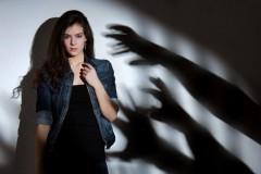"""Семейный психолог оценила популярность акции """"Я боюсь мужчин"""", запущенной в Сети"""