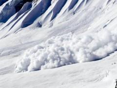 ЧП в Хакасии: попавший под лавину мужчина погиб