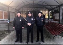 В Калмыкии полицейские спасли семью при пожаре