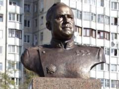 В Одессе отпраздновали день рождения Жукова у памятника, которого нет