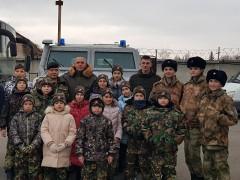 В Пятигорске сотрудники ОМОН провели патриотическое мероприятие ко Дню Героев Отечества