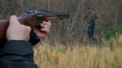 Мужчина открыл стрельбу по людям в Ленобласти