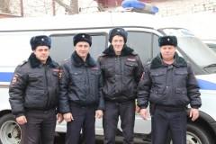На Кубани от удара перевернулся ВАЗ-21074, троих пострадавших выбросило из машины