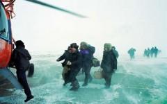 Ми-8  из-за снежного вихря совершил жесткую посадку в Красноярском крае