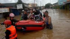 «Большая вода» в Индонезии: число жертв наводнения увеличилось до 26