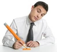 Опрос: 66% студентов ЮФО совмещают работу с учебой ради денег