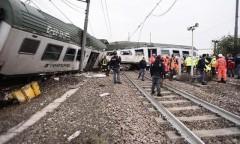 В Италии поезд сошел с рельсов, есть жертвы