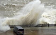 """На Великобританию обрушился мощный ураган """"Сиара"""""""