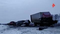 При столкновении фуры и грузовика под Тамбовом погибли пять человек