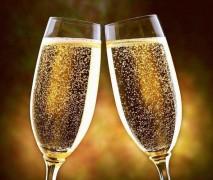 Роскачество признало игристое вино лучшим для Дня святого Валентина