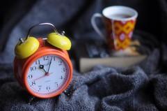 Опрос: 52% россиян не спят долго в выходные