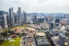 Власти Сингапура добровольно лишили себя зарплаты ради премий врачам