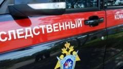 В Екатеринбурге глыба льда упала на мать с трехлетними детьми