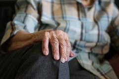 Власти Москвы продлили режим изоляции для пожилых до 14 апреля