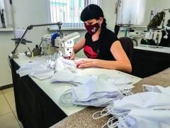 Швейные предприятия Ставрополья начали серийное производство защитных масок