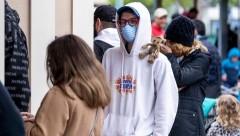 Губернатор: ежедневно в Нью-Йорке от COVID-19 умирает более 700 человек
