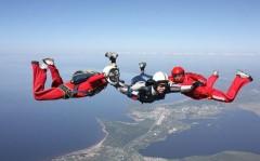 Страсть к экстриму: всего 32% россиян хотели бы прыгнуть с парашютом