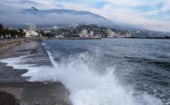 Глава Крыма Сергей Аксенов сетует на большое число туристов в период пандемии