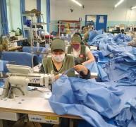На Ставрополье ещё одно предприятие приступило к выпуску противоэпидемических костюмов