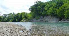 В Апшеронском районе укрепляют берега реки Пшеха