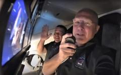 Экипаж Crew Dragon перешел на МКС вслед за стыковкой и открытием люка