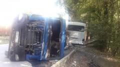 В Сочи произошло ДТП с участием автобуса и фуры
