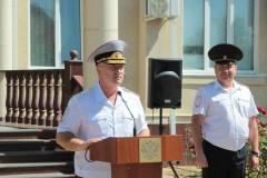 Глава МВД Адыгеи Владимир Алай вручил сотрудникам ГИБДД ключи от новых служебных автомобилей