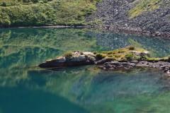 Сочинские спасатели ведут поиск двоих туристов, заблудившихся в районе Голубого озера в Турьих горах