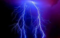 В Челябинске удар молнии спровоцировал пожар в водонапорной башне