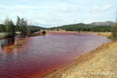 Река Сак-Элга под Челябинском так и осталась цвета хурмы