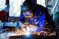Цена профессии: сварщику на Кубани заплатят 65 тысяч рублей, а монтажнику – 60 тысяч рублей