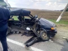 При ДТП под Усть-Лабинском двое погибли, шестеро пострадали